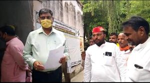 Amethi News : Angered by the exploits of the Biddut Department, the State Secretary of the SP Prabuddha Sabha submitted a memorandum to the SDM